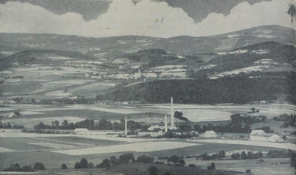 Blick über Bärndorf nach Windberg Mit Teleojektiv 13,5 cm vom Bogenberg aufgenommen     Aufnahme: Berger/Wiedemann